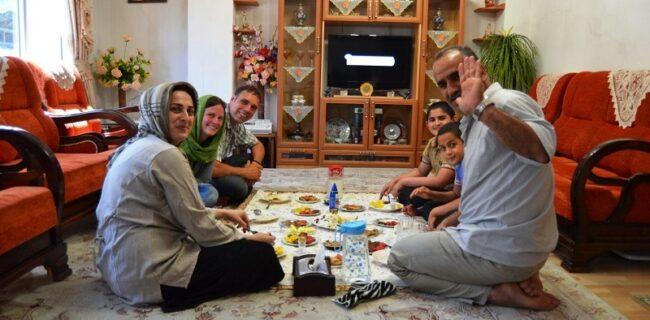مردم گنبد از رفتن به محافل خانوادگی در شرایط کرونایی پرهیز کنند