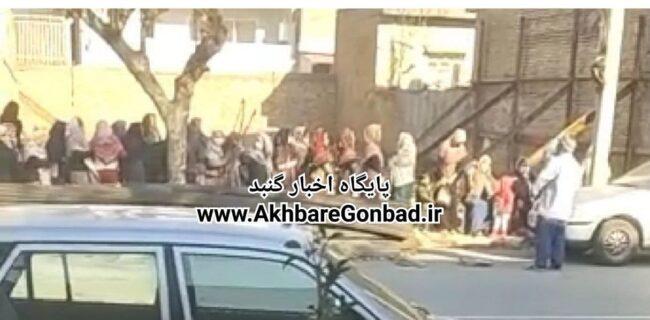 تجمع و صف خرید روغن در خیابان وشمگیر (شهید مفتح) گنبدکاووس